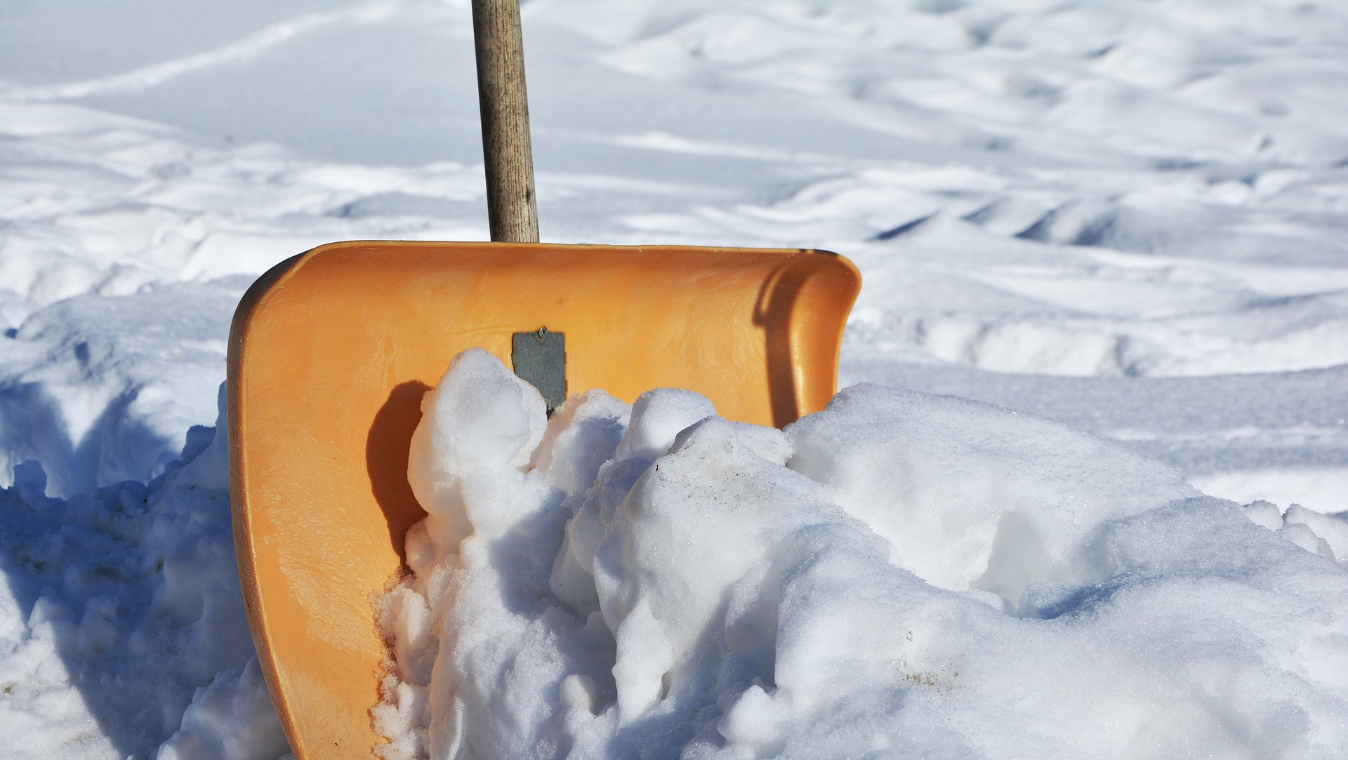 Best Practices for Safe Snow Shovelling